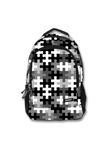 Ümit Çanta Cennec Puzzle Desenli Sırt Çantası (Siyah/Beyaz) Renkli